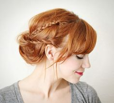 How to style a braided chignon.A braided chignon (video tutorial included!) is a cute way to wear your hair up, and it's super easy to do. Cool Braid Hairstyles, Braided Hairstyles For Wedding, Hairstyles With Bangs, Pretty Hairstyles, Updo Hairstyle, Bridal Hairstyles, Hairstyle Hacks, Hairstyle Wedding, Romantic Hairstyles