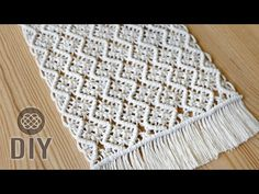 Wavy mesh Macrame tablecloth tutorial for beginners and beyond. Nice coffee table centerpiece in boho style. You can use this pattern to make macrame table r. Macrame Design, Macrame Art, Macrame Projects, Macrame Knots, Micro Macrame, Coffee Table Centerpieces, Loom Knitting Stitches, Macrame Bracelet Tutorial, Geek Cross Stitch