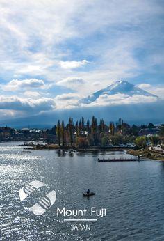 Petite vue sur le #mont #fuji depuis le #lac de #shoji au #japon ! C'est encore mieux d'en haut, vous connaissez ? #mount #mountain #japan #lake #tourism #amazingplace #voyage #traveling #travel #picoftheday #photooftheday #tripconnexion #followme