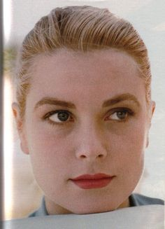 Soft red/pink lip, neutral eye, strong brow, no liner. Grace kelly makeup always appropriate