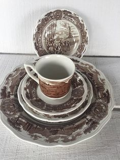Your place to buy and sell all things handmade Dinner Salads, Pie Plate, Pie Dessert, Salad Plates, Dinner Plates, Tea Cups, Pottery, Dishes, Brown
