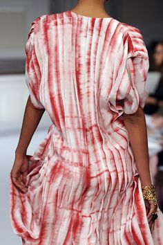 love the shibori effect. // oscar de la renta.