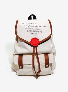 Still waiting for your Hogwarts letter? The wait is over. This slouch-style backpack from Harry Potter with Harry's Hogwarts acceptance letter envelope design Harry Potter Schmuck, Bijoux Harry Potter, Objet Harry Potter, Mode Harry Potter, Harry Potter Accessories, Harry Potter Cosplay, Harry Potter Merchandise, Harry Potter Style, Harry Potter Outfits