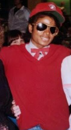 That tie will be the death of me. Michael Love, Michael Jackson Pics, Mike Jackson, Jackson Family, Legendary Singers, Famous Singers, Day For Night, Victorious, Thriller