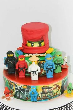 Ninjago Cake - love it! but not sure if i can make it, might need some hand holding ; - )