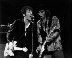 Bruce Springsteen with Steven Van Zandt at Madison Square Garden, August 1978 Nights Lyrics, E Street Band, Dancing In The Dark, Born To Run, Bruce Springsteen, Madison Square Garden, Rockn Roll, Rare Pictures, Greatest Hits