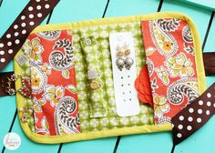 This travel jewelry case at Positively Splendid would be a perfect gift! Full step-by-step tutorial with printable PDF pattern included.