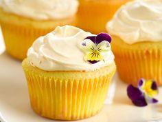 Lemon cream cupcake