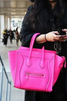 I want this tote. It's the perfect pink shade for the summer