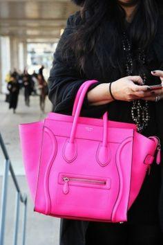 #welovepink #pink #HHlovespink #EuropaPassageHamburg #Shoppingperle #typischhamburch #Hamburg #wearepink #weloveshopping #bag #Tasche