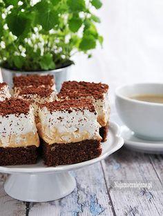 Beza, kajmak i delikatne ciasto kakaowe, czyli rewelacyjne ciasto kostka alpejska, które polecam na co dzień i od święta.