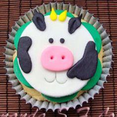 Cupcake de vaquinha ...  ... SINHÁ AÇÚCAR em São Paulo/SP ... Encomendas comigo: TIM (11) 98671-6390 / VIVO (11) 95786-3745 ... sinhaacucar.blogspot.com.br ... sinhaacucar@gmail.com  #bolo #bolodecorado #cupcake #cake #pastaamericana #arteemaçúcar #sugara