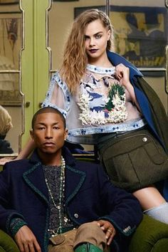 Cara Delevingne and Pharrell Williams look perfect in this Chanel campaign. Chanel News, Chanel 5, Cara Delevingne Style, Gabrielle Bonheur Chanel, Brave Women, French Fashion Designers, Fashion Advertising, Lederhosen, Cozy Fashion