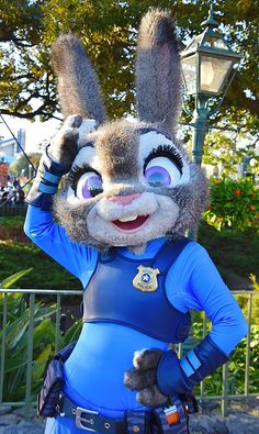 Zootopia, Disney Parks, Disney Pixar, Parc Disneyland Paris, Disney World Characters, Disney World Pictures, Judy Hopps, Halloween Inspo, Tokyo Disney Resort