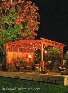 12'x15' Heartland Wood Pergola with Privacy Wall, Superior Posts and Cedar Stain http://www.backyardunlimited.com/pergolas