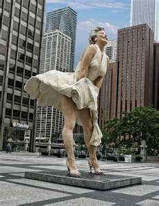 Marilyn Monroe Statue on Display at the  Daley Plaza in Chicago (reminds me of watching people come back from Lola ... )