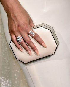 Pin for Later: Mit diesen Maniküren verpassen die Stars ihrem Look den letzten Schliff Chrissy Teigen, Grammys