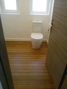 WC ,ticwood floor