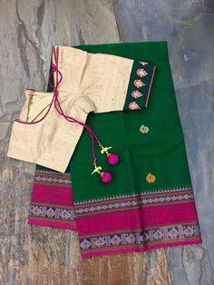 Stunning cotton sarees mixed and matched with readymade blouses. Cotton Saree Blouse, Saree Blouse Patterns, Designer Blouse Patterns, Cotton Blouses, Simple Blouse Designs, Blouse Neck Designs, Desiner Sarees, Saree Jewellery, Kalamkari Saree