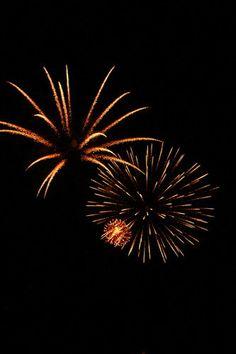 Beautiful Fireworks caught on Film Flash Bang Boom