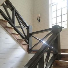 Home Remodeling Stairs 40 Unique Indoor Wood Stairs Design Ideas You Never Seen Before - In theory, there is nothing technically difficult about building wooden stairs, but it is considered to be one of the […] Farmhouse Stairs, Rustic Stairs, Wooden Stairs, Rustic Wood, Modern Rustic, Modern Porch, Wood Railings For Stairs, Stair Railing Design, Banisters