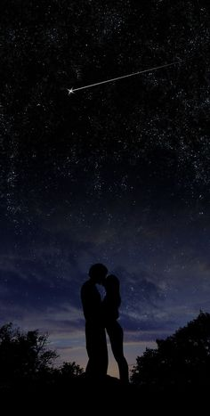 kissing under the stars. wallpaper kiss Under the Stars by chronofreak on DeviantArt Photo Couple, Under The Stars, Couple Pictures, Night Pictures, Couple Ideas, Couple Art, Couple Goals, Stargazing, Night Skies
