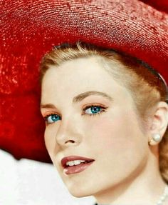 The classy, beautiful Grace Kelly Moda Grace Kelly, Grace Kelly Style, Hollywood Stars, Classic Hollywood, Old Hollywood, Hollywood Divas, Look Vintage, Vintage Beauty, Princesa Grace Kelly