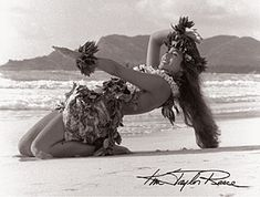 Kim Taylor Reece, Hawaii's foremost fine art photographer, has been studying hula kahiko for nearly 30 years. A catalyst of Hawaii's Cultural Renaissance, his photography captures the mys Hawaiian Girls, Hawaiian Homes, Hawaiian Dancers, Hawaiian Art, Hawaiian Tattoo, Polynesian Dance, Polynesian Culture, Polynesian Girls, Kim Taylor Reece