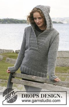 "Knitted DROPS Jumper with hood in ""Eskimo"". Size S - XXXL."