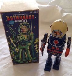 R7.8  Mechanical Astronaut Robot Tin Toy In As New Condition With BOX
