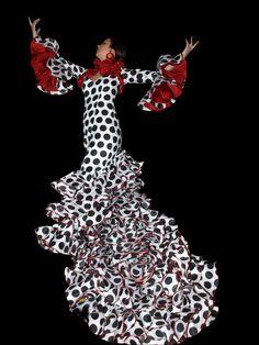 Flamenco Costume, Flamenco Dancers, Flamenco Dresses, Africa Dress, Frou Frou, Costume Design, Beautiful Outfits, Style Inspiration, Costumes