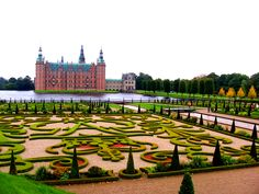 Frederiksborg Palace or Castle is a palace in Hillerød, Denmark. It was built as a royal residence for King Christian IV and is now a museum of national history. The current edifice replaced a previous castle erected by Frederick II and is the largest Ren Tivoli Villa D'este, Danish Royalty, National History, Royal Residence, Small Island, Versailles, 17th Century, Palace, Bali