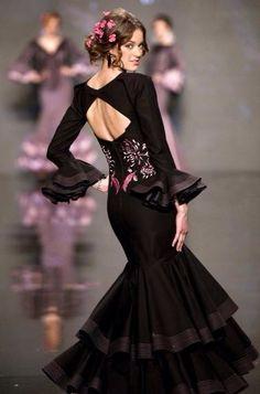 SIMOF Flamenco Costume, Flamenco Dancers, Dance Costumes, Flamenco Dresses, Dance Dresses, Party Fashion, Love Fashion, Ganesh, Spanish Dress