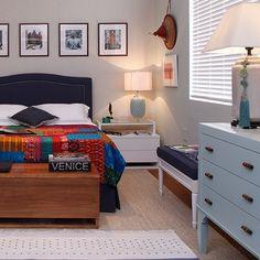 Quem disse que só quarto de menino pode ser azul? Azul é a cor mais quente 💙 Esse quarto foi inspirado em uma jovem menina descolada e cheia de estilo! A decoração tem uma pegada mais zen com os tons de azuis e os objetos asiáticos, gostou? #quartosetc #mostraquartosetc #descolada #bestoftheday #estilo #classico #decor #decoracao #decorating #decoration #decorstyle #design #designdeinteriores #detail #asiatico #azul #facilidade #homedecor #ideias #inspiracao #inspiration #instaday…