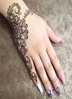 beautiful new style women hands mehndi designs ideas 2020