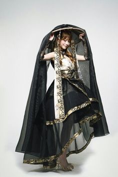 Hanbok looks so beautiful Style Lolita, Gothic Lolita, Mode Costume, Cool Outfits, Fashion Outfits, Fashion Clothes, Fantasy Dress, Mori Girl, Character Outfits