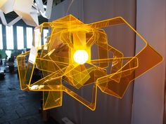 Acrylglas-Lampe Lasso Gold von dookke design