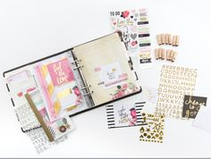 This is part of the collection of the 2015 Heidi Swapp a Memory Planner. Elements are the Planners, floral stickers, wooden stamps, glitter alphabet stickers, and washi booklet. Kikki K Planner, Planner Layout, Life Planner, Happy Planner, Planner Ideas, Journal Inspiration, Midori, Perfect Planner, Planner Decorating
