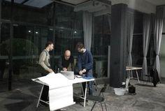 Daniele Pio Marzorati, Fabio Roncato e Matteo Valerio al lavoro nello studio di Shanghai