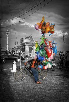 Balloon Man . Vientiane - Laos