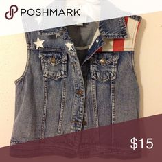 Americana Denim Vest Cute patriotic premium denim vest, never been worn. Perfect over white dresses and with cowboy boots. American Flag pattern on each side. Forever 21 Jackets & Coats Vests