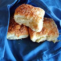 Gourmet Cooking For Two: Garlic Cheesy Dinner Rolls