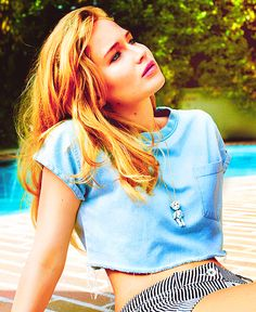 Jennifer Lawrence... shes gorgeous