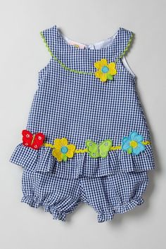 Sweet & Soft Scoop Neck Seersucker Dress by Sweet & Soft on geen patroon, enkel inspiratie Little Girl Outfits, Little Girl Dresses, Toddler Outfits, Kids Outfits, Sewing For Kids, Baby Sewing, Baby Dress Patterns, Seersucker Dress, Baby Girl Dresses