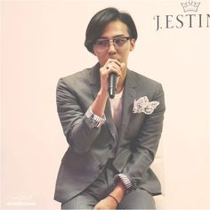 G-Dragon at the J. Estina 2014 F/W Brand Presentation event held on September 3 at the Namsan State Tower in Seoul. Brand Presentation, Gd Bigbang, Ji Yong, Head & Shoulders, Love To Meet, G Dragon, Most Beautiful Man, Style Icons, Rapper