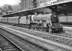 45512 Bunsen at Birmingham (New Street). City Of Birmingham, Birmingham News, Train Car, Train Tracks, Train Room, Live Steam Locomotive, Steam Trains Uk, Rail Transport, Steam Railway