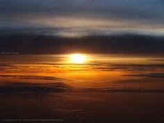 Nos lecteurs autour du monde : Nicole Prévost - Lever de soleil au dessus de…