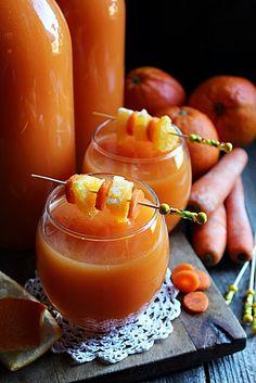 Pénztárcakímélő téli vitamin bomba..., mert nem győzöm vásárolni a palackos Kubut meg a Cappyt. Nagyon szeretjük ezek... Punch Bowls, Cantaloupe, Panna Cotta, Orange, Fruit, Drinks, Cooking, Ethnic Recipes, Desserts