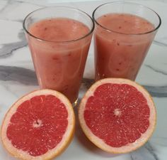 Early Morning Liver Cleanse Smoothie - Grapefruit and apple smoothie. Could be good for when I have a cold!