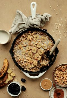 Meatless Burger Recipes That Are (Almost) Too Good to Believe – This Banana-Cashew Baked Oatmeal Will Make You A Believer in Breakfast Prepping - Camille Styles Best Avocado Toast Recipe, Baked Oatmeal, Baked Banana, Meatless Burgers, Yummy Food, Tasty, Burger Recipes, Meatloaf Recipes, Sausage Recipes